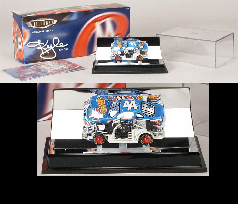 Hot Wheels 1/64 1997 Kyle Petty Hot Wheels Legends with Display Case