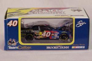 Team Caliber 2000 Sterling Marlin Coors Light Brooks & Dunn (Owners in display case) diecast