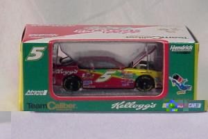 Team Caliber 2000 Terry Labonte Kelloggs Monte Carlo (Owners in display case diecast