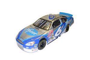 Team Caliber 2001 Mark Martin Pfizer (Owners in display case) diecast