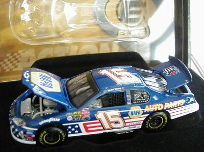 Action 1/64 2003 Michael Waltrip Napa Stars and Stripes (Elite)
